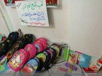 اهدای لوازم التحریر به دانش آموزان به همت حوزه حضرت زهرا(س) همدان