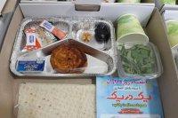 تهیه و توزیع روزانه بستههای افطاری برای اقشار ضعیف