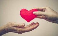 نیازمندان مهریزی پای سفره مهربانی خیران