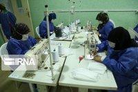 تولید روزانه چهارهزار ماسک در آبادان با حمایت نیکوکاران
