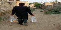 توزیع کمکهای مردمی بین دانشآموزان محلات محروم زاهدان