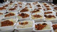 توزیع هزار و ۷۰۰ پرس غذای گرم بین نیازمندان