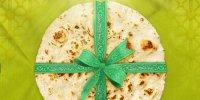 توزیع ۷۳۵ کارت نان مهربانی توسط دفتر آستان قدس رضوی ایلام